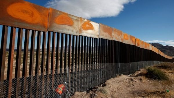 Senate Democrats target Trump's border wall order