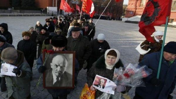 Goodbye Lenin? Russian lawmakers try to tweak law to get him buried