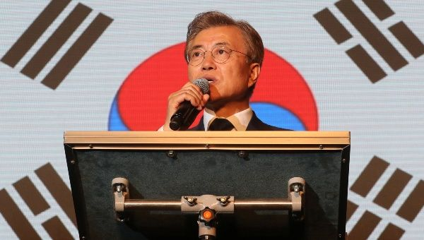 New S.Korean leader sets course in stormy diplomacy