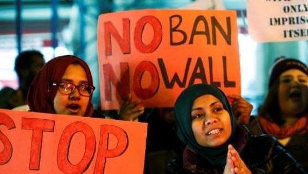 Gov't wants more time to address second travel ban ruling