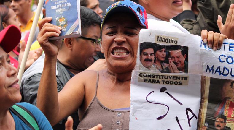 VENEZUELA: Madres oficialistas se movilizaron en defensa de los niños y jóvenes