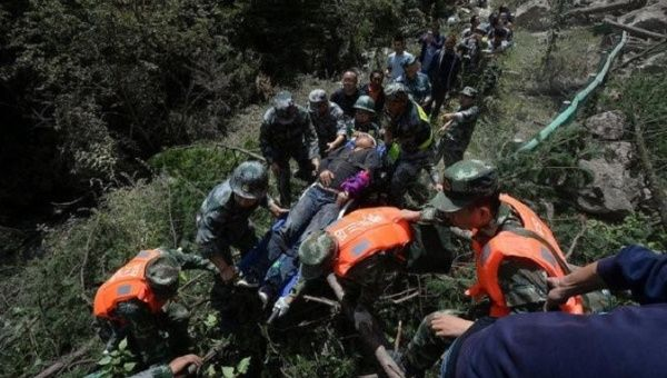 Dead, 175 Injured as Quake Strikes China's Sichuan