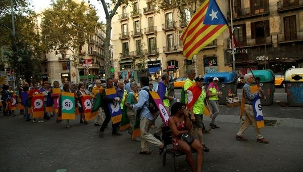 Students rally in Barcelona to defend Catalan vote