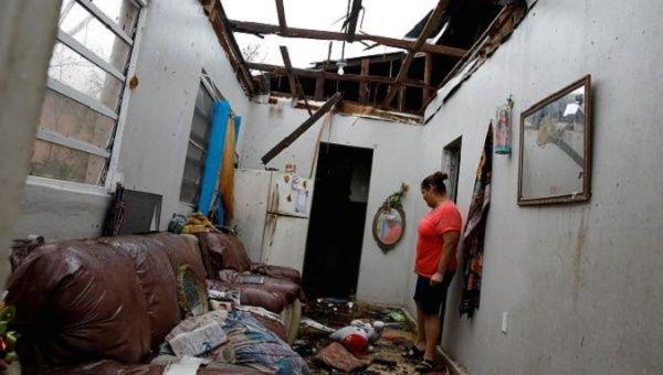 Big contracts, no storm tarps for Puerto Rico