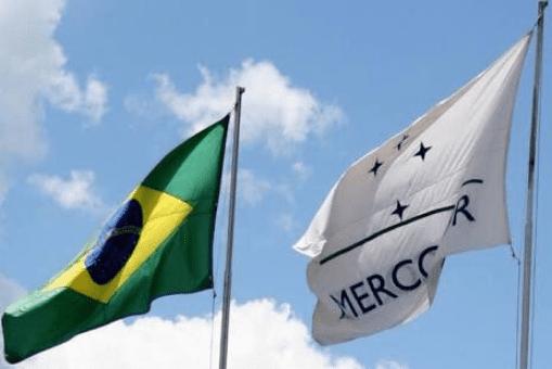Mercosur está integrado por Argentina, Brasil, Paraguay, Uruguay y Venezuela; y tiene como países asociados a Bolivia, Chile, Colombia, Ecuador y Perú.