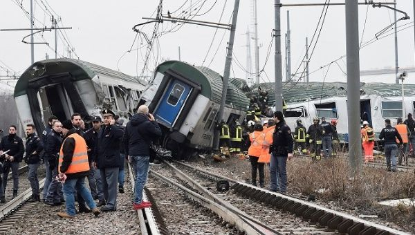 3 dead, 100 injured after train derails near Italy's Milan