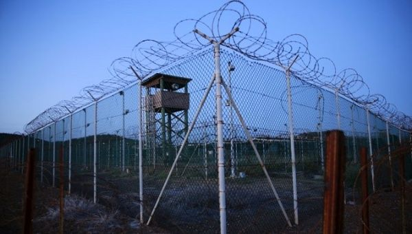 Donald Trump signs order to keep Guantanamo Bay prison open