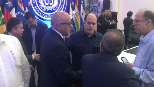 Venezuela government-opposition talks 'advance', no deal yet