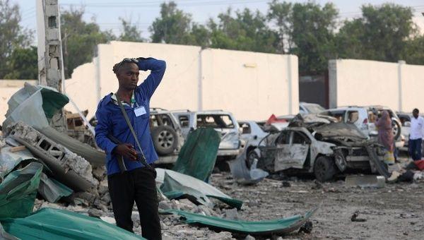 18 killed in twin blasts in Mogadishu