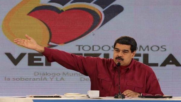 Maduro celebra 16 años del restablecimiento del sistema democrático venezolano