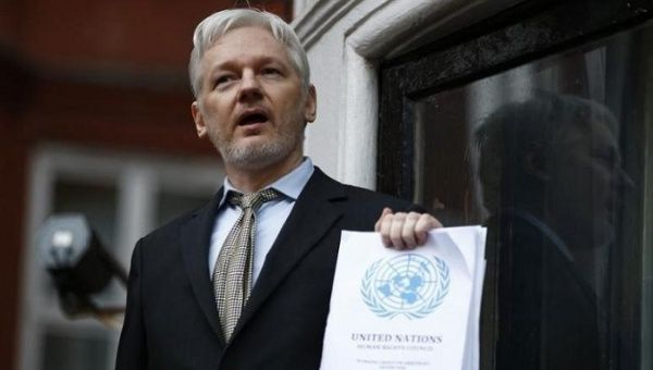 Ecuador's President Won't Mention Assange's Case in UK