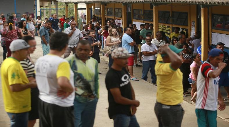 Bolsonaro gana en Brasil y habrá segunda vuelta — Boca de urna