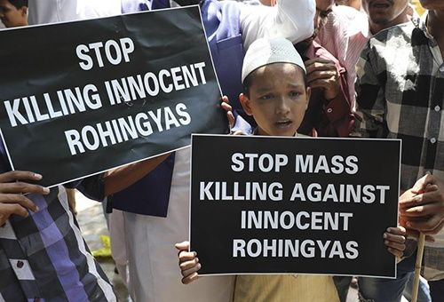 Huyen de Birmania miles a Bangladés