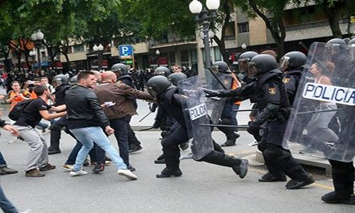 Unión Europea llamó a negociar y repudió violencia — Cataluña