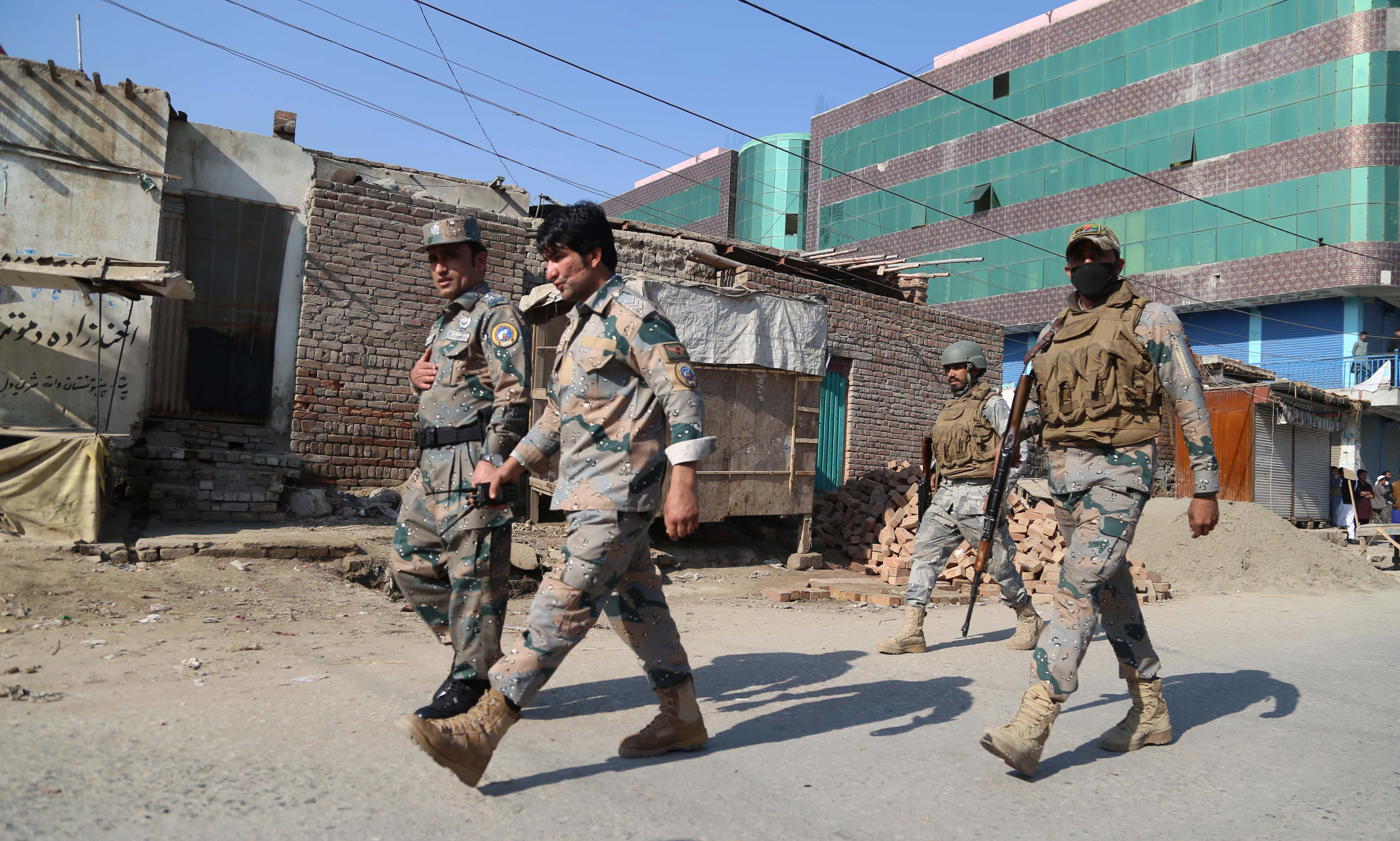 Ataque suicida deja seis muertos y 13 heridos en Afganistán
