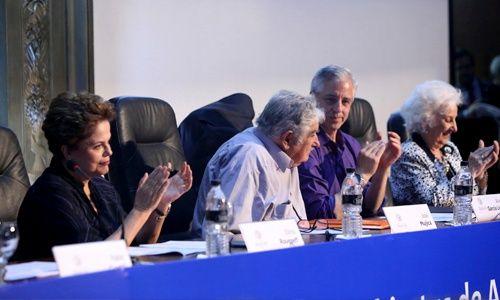 Cristina se reunió con Dilma y denunció