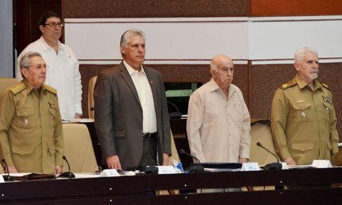 Raúl Castro dejará la presidencia en abril
