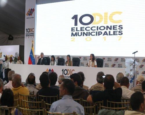 Delcy Rodríguez anunció que cinco partidos políticos deberán renovarse ante el CNE