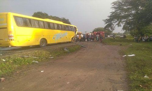 Unas 5 personas fallecen tras colisión de vehículos en Honduras