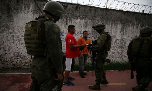 Detenciones, decomiso de droga y polémica tras operación militar — Río