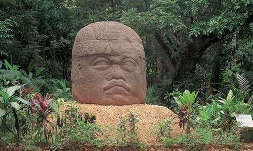 Alemania devuelve a México dos piezas de origen olmeca