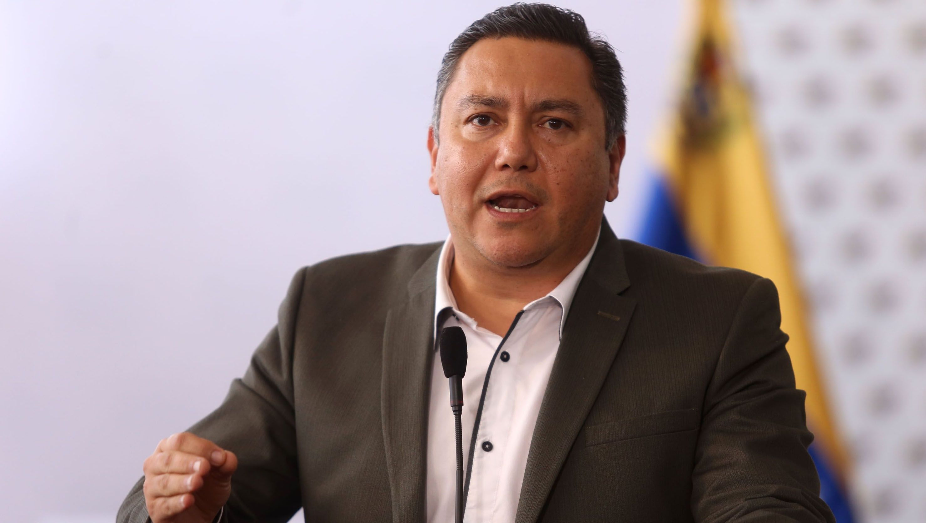 52% de los venezolanos votarán por Maduro en presidenciales — Hinterlaces