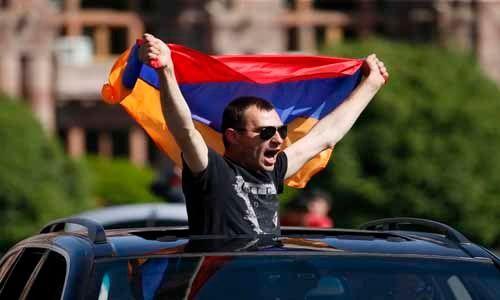 El líder opositor Nikol Pashinián, elegido primer ministro de Armenia