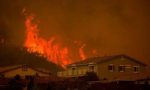 La ola de incendios de Carr se ha extendido en más de un 50 por ciento en diferentes condados de California