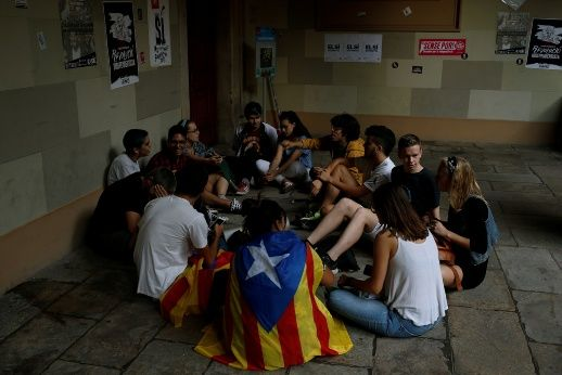 Catalan Groups Call for Peaceful Referendum